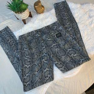 Michael Kors size 6 gray snake animal print pants
